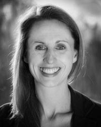 Dr Louise  Drake