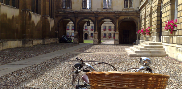 Bicycle in Cambridge courtyard
